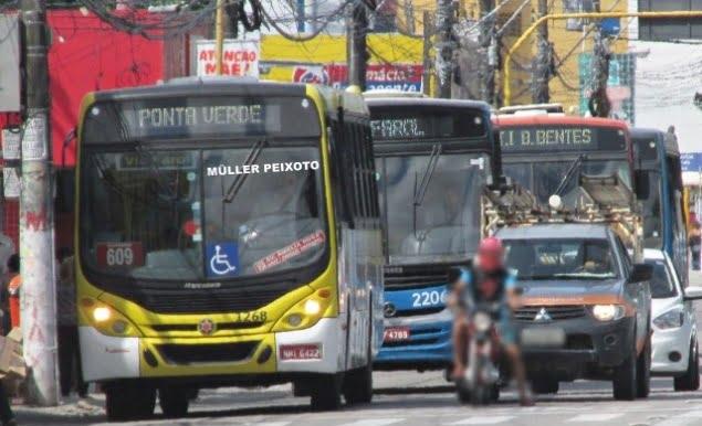 AL: Ônibus voltam a funcionar em Maceió com capacidade de passageiros sentados e limite em pé