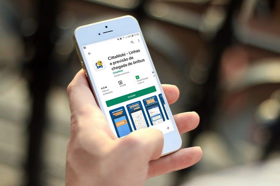 Aplicativo na comunicação com o passageiro de ônibus está presente em várias cidades brasileiras