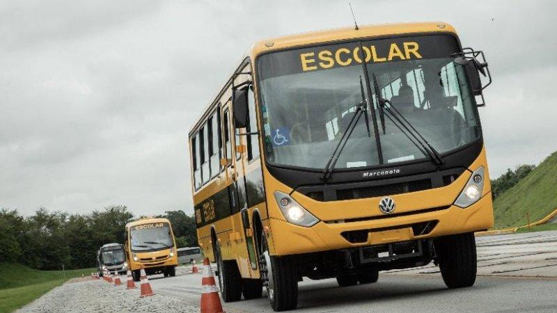 Volkswagen entrega 300 ônibus ao programa Caminho da Escola