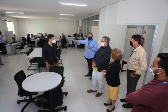 Natal: Prefeito vistoria sede reformada da STTU