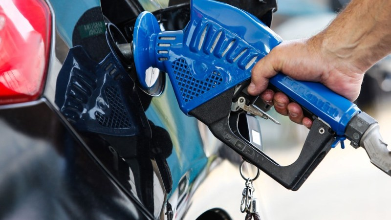 Gasolina com novo padrão já começou a valer; veja perguntas e respostas