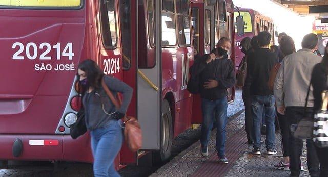 Aprovado projeto que distribui passagens a desempregados da RM de Curitiba