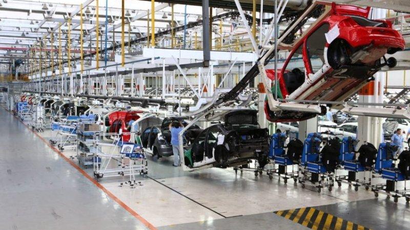 Demissões crescem nas fábricas de veículos