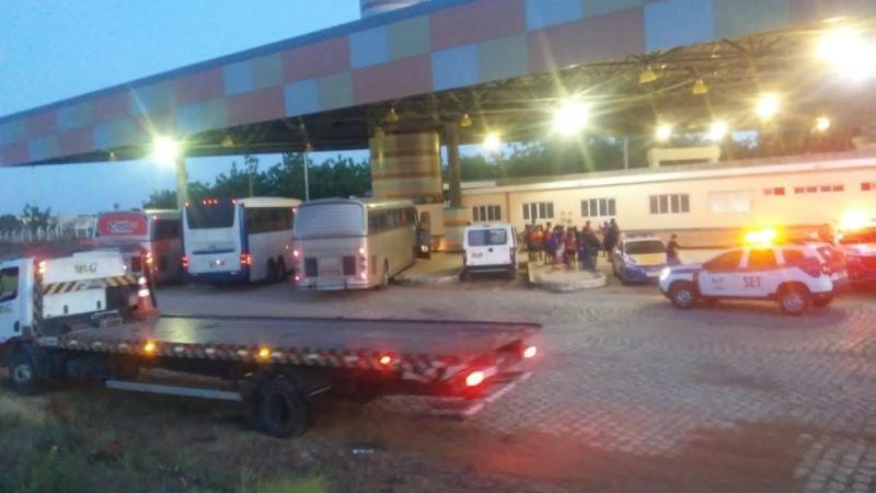 Quatro veículos que faziam transporte clandestino são apreendidos durante fiscalização da ANTT em Mossoró