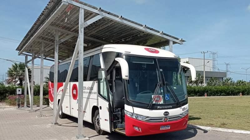 BYD entrega primeiro ônibus a ser abastecido com energia solar no País