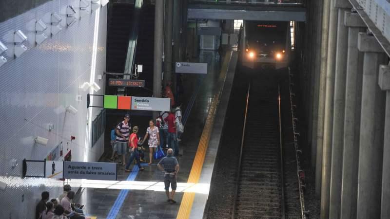 Sem apoio, metrôs tentam 'esticar' caixa