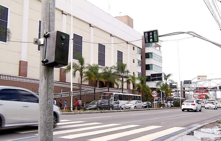 Natal: STTU interdita passarela e instala semáforo provisório na Avenida Salgado Filho