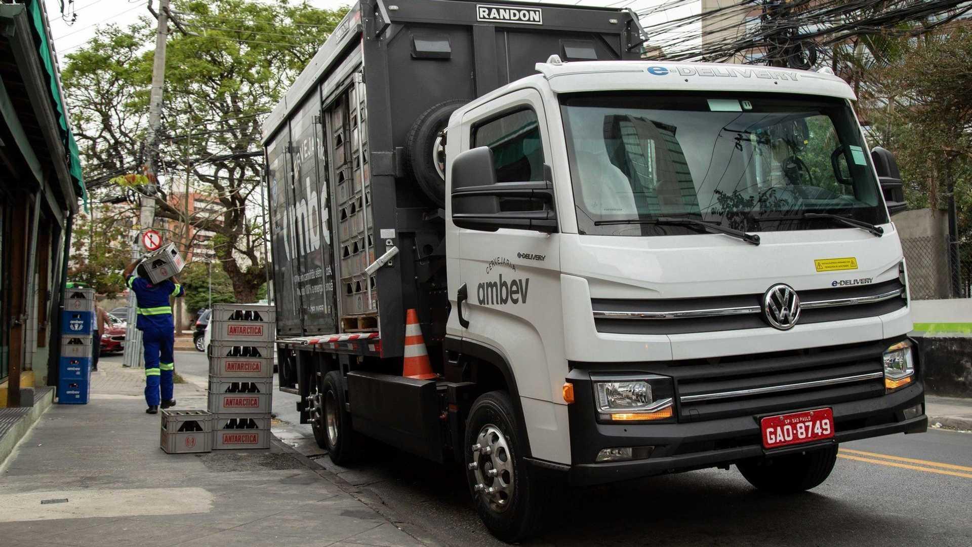 Volkswagen começa produzir caminhão elétrico em série no Brasil