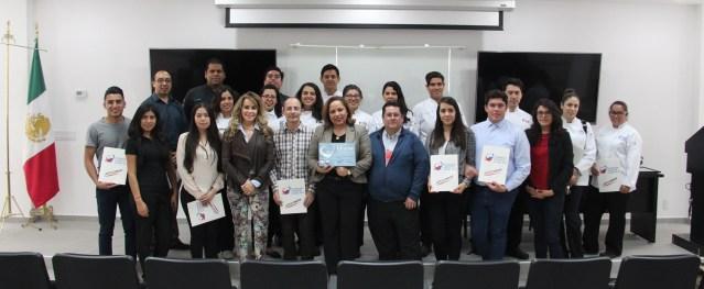 Alumnos y docentes de Gastronomía reciben reconocimientos.