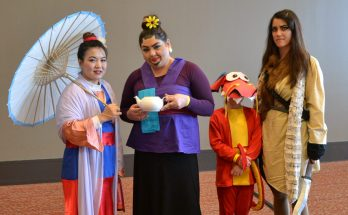 Mulan cosplay family