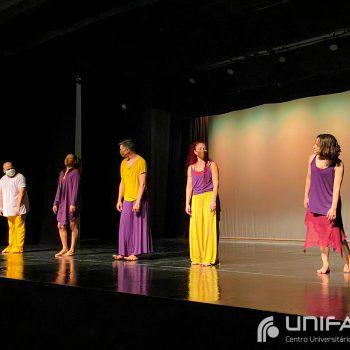 Acolhida UNIFATEA: Calouros dos cursos presenciais conhecem a instituição pela primeira vez, com direito a dança e muita música!