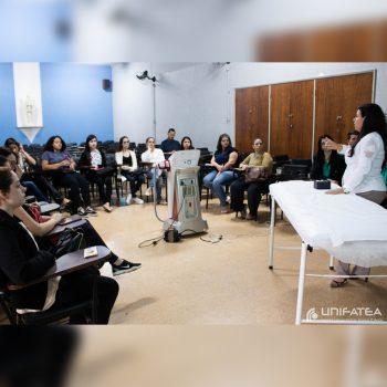 "UNIFATEA sedia palestra sobre tratamento estético ""Pulse Light"""