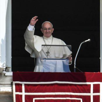 QUARESMA. Papa Francisco: Jesus nos garante que a cruz, as provações, as dificuldades nas quais nos debatemos têm a sua solução e a sua superação na sua Páscoa.