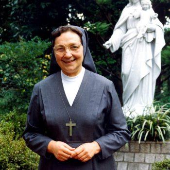 Nota de pesar pelo falecimento de Madre Antonia Colombo, Superiora Geral do Instituto das Filhas de Maria Auxiliadora.