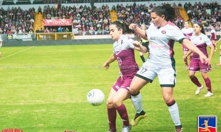 Saprissa FF y CODEA dividen honores en la ida de la Final