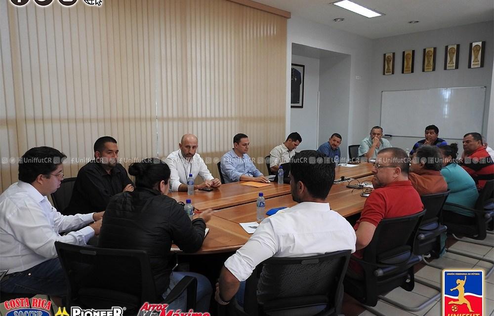 Reunión con clubes de la Primera División