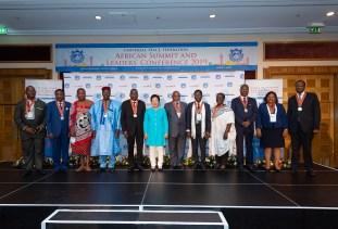 「アフリカ頂上会議および指導者カンファレンス2019」指導者ら記念写真|世界平和統一家庭連合News Online