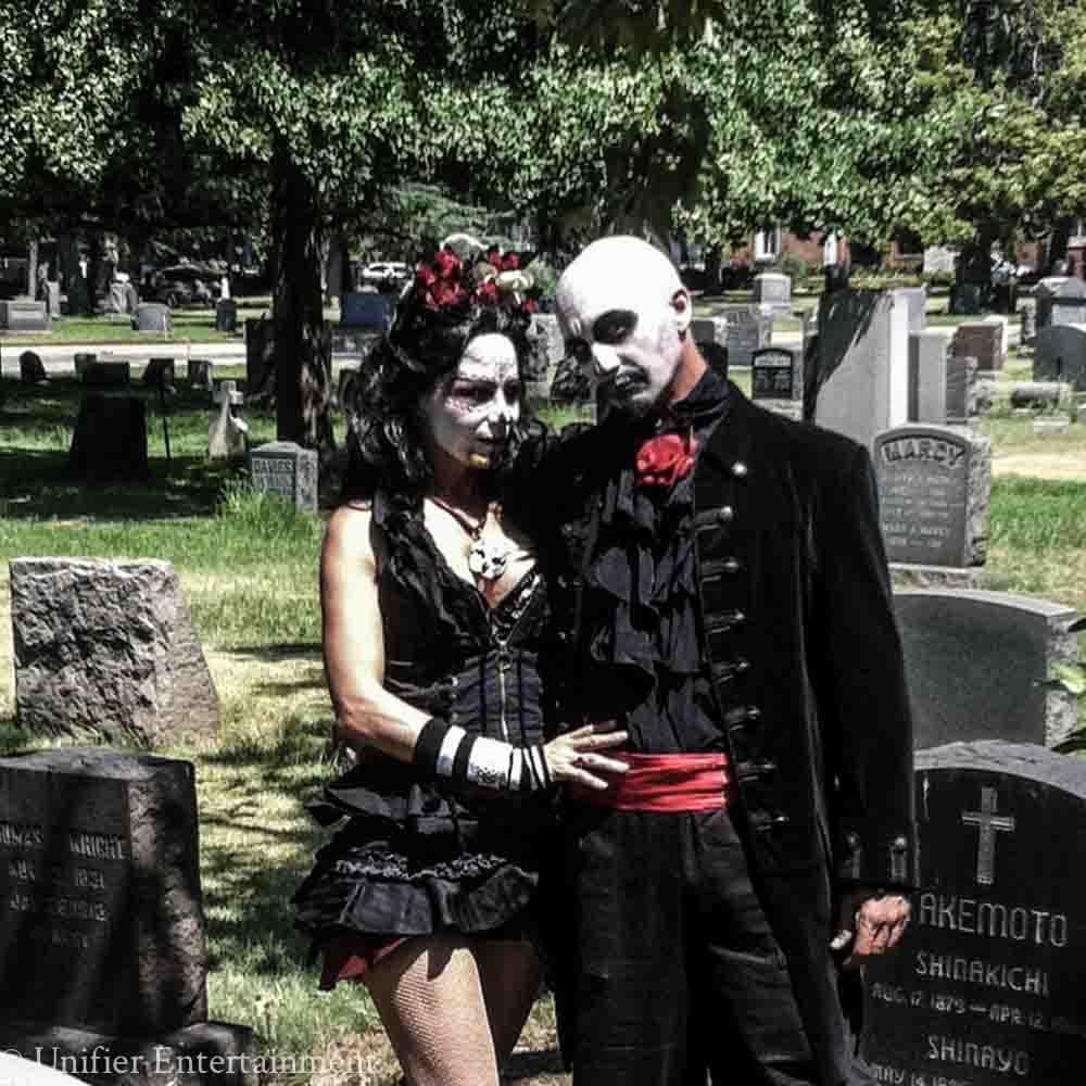 Dia DeLos Muertos Couple Entertainment