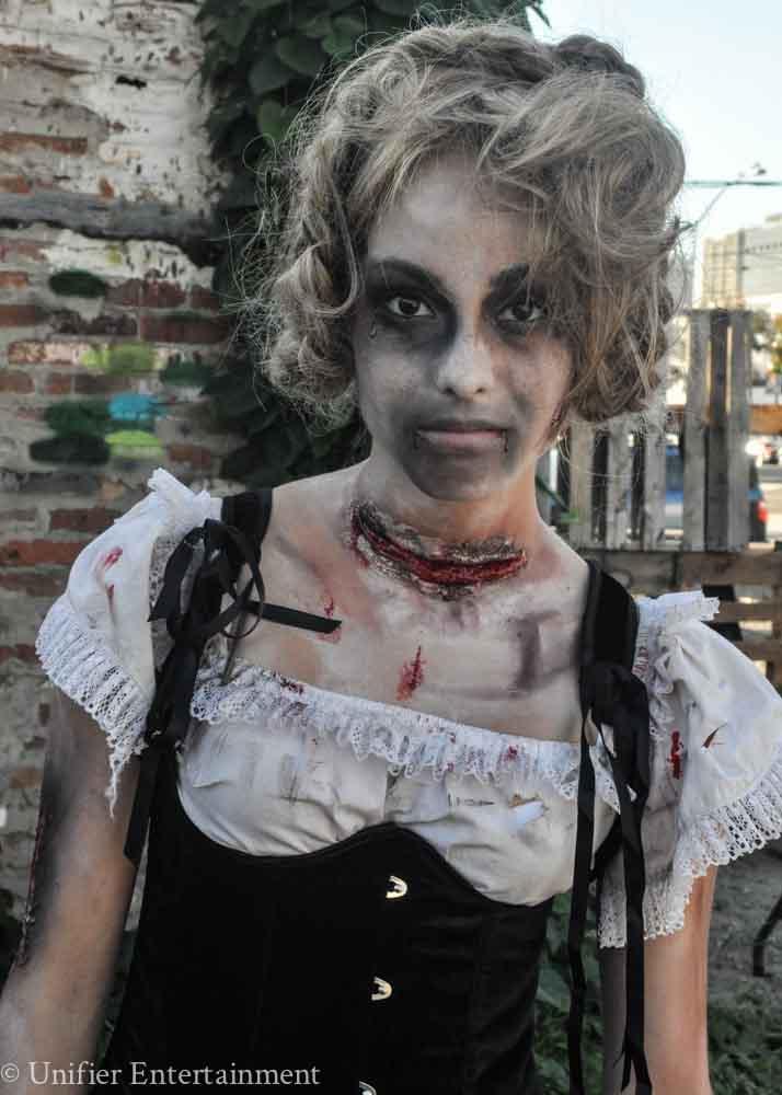 Sexy Zombie Performer