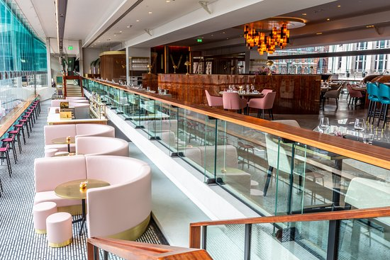 , Bringing sixties back: VIVI Restaurant and Bar opens at Centre Point