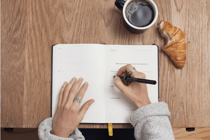 Write to-do lists so that you can keep on top of tasks