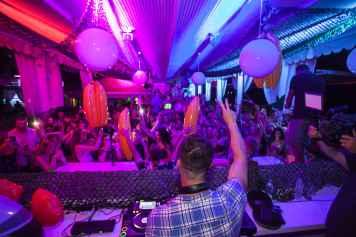 Kavos nightlife