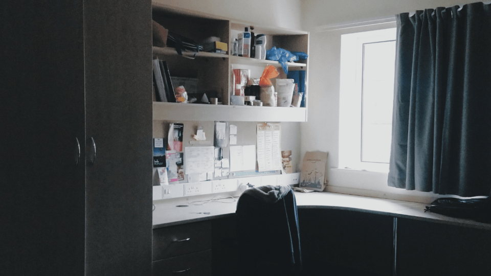 ways to afford student accommodation