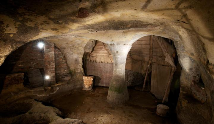 city of caves - 20 things for student to do Nottingham