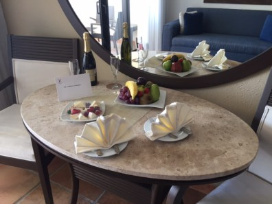 Welcome fruit & cheese tray's to start our stay off right!