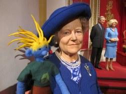 Queen Mum in herrlichem Blau