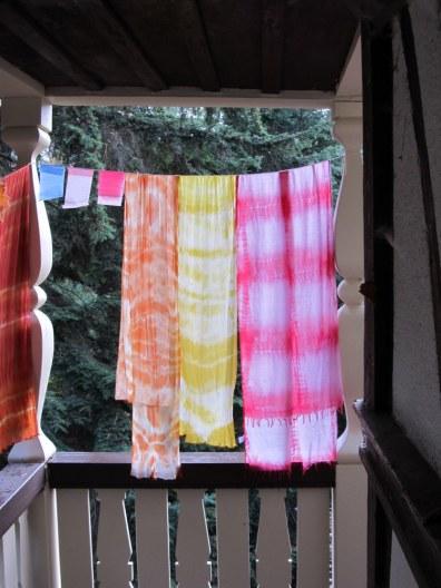 gefärbte Woll-Schals