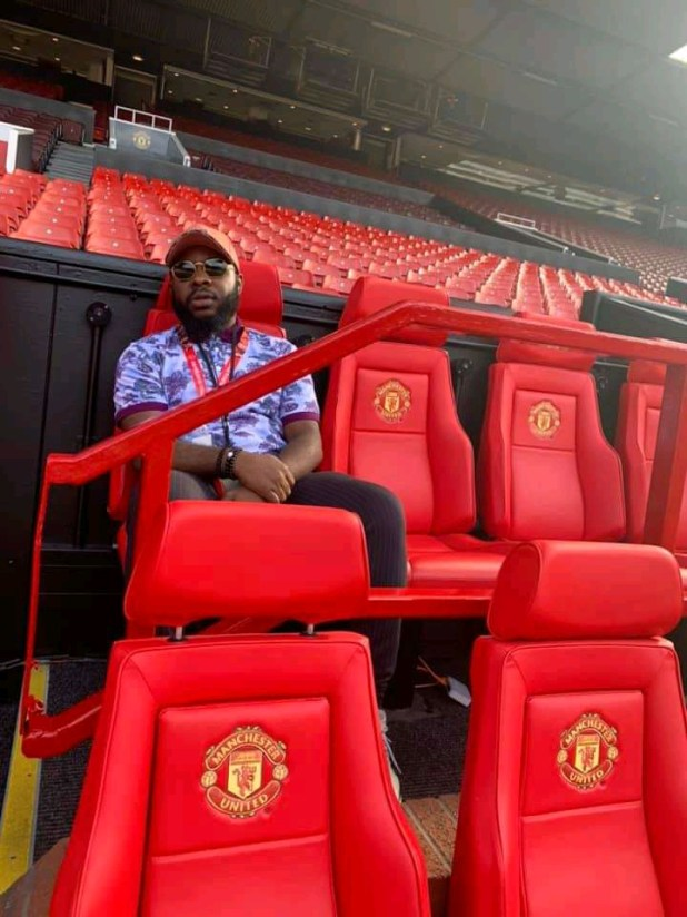 Ekwueme Crooner Prospa Ochimana Pays Visit To Old Trafford
