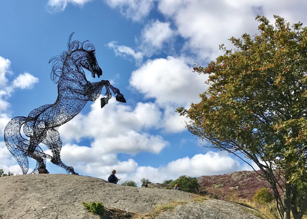 Hesteskulptur i Pilane på Tjörn 2017, Bohuslän, Sverige