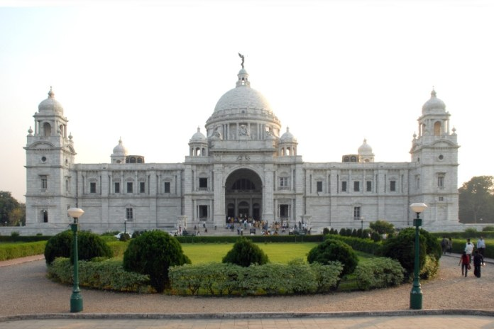 Top 20 Tourist Places in Kolkata: VICTORIA MEMORIAL