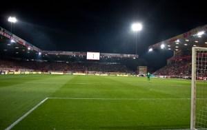 21,144 spectators tonight
