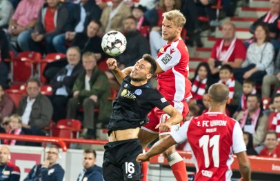 Andersson fights for the ball