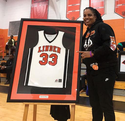 LHS retires jersey number of Tamecka Dixon