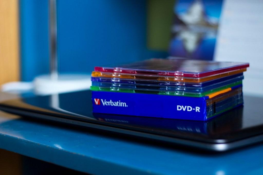 Optické disky môžu zaberať viac miesta (Foto: Sonja Tokárová)