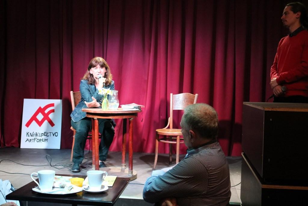 Návštevníci do diskusie prispeli podnetnými otázkami (Foto: Dominika Grošková)
