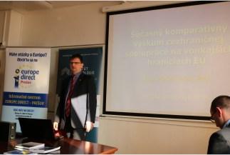 """Martin Lačný a jeho téma """"Súčasný komparatívny výskum cezhraničnej spolupráce na vonkajších hraniciach EÚ"""" (Foto: UNIPOPRESS)"""