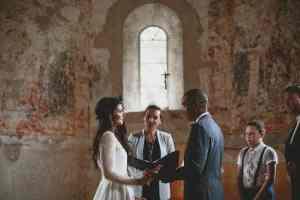 wedding celebrant in ILE DE RE
