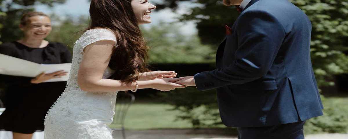 29-Unique Ceremonies is looking for wedding celebrants in France