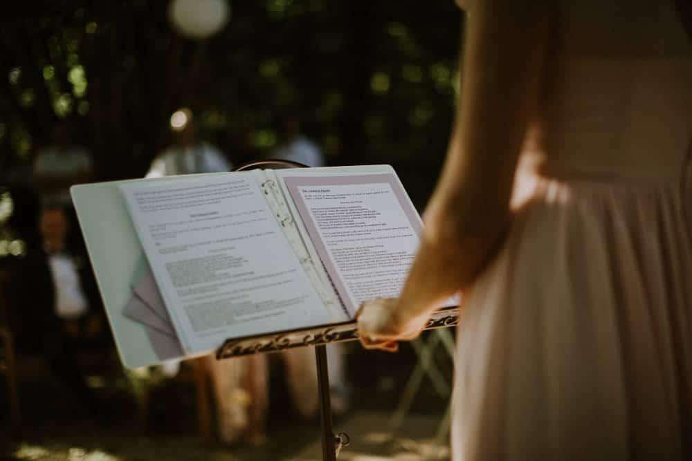 wedding celebrant - wedding ceremony in a french castle