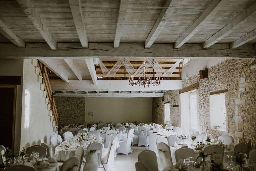 wedding ceremony - castle in france - wedding celebrant in france