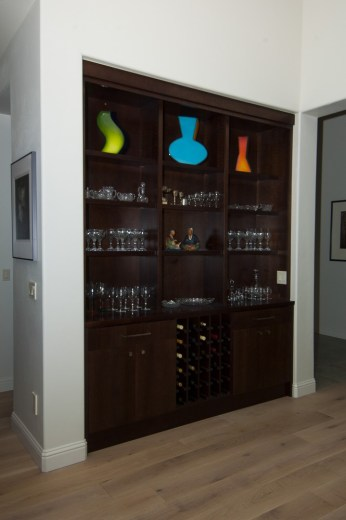 Chocolate Pear-Insert Beverage Cabinet