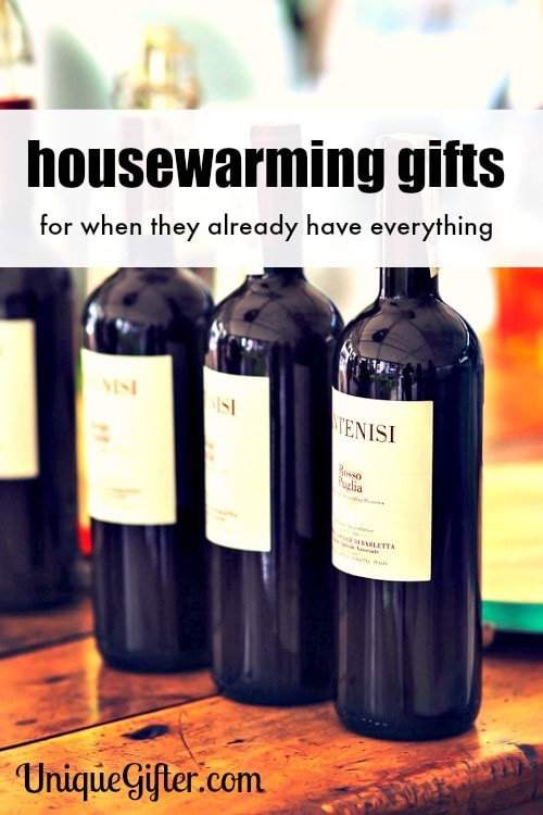 I never thought to take my new neighbors flower seeds. These housewarming gift ideas are fun.