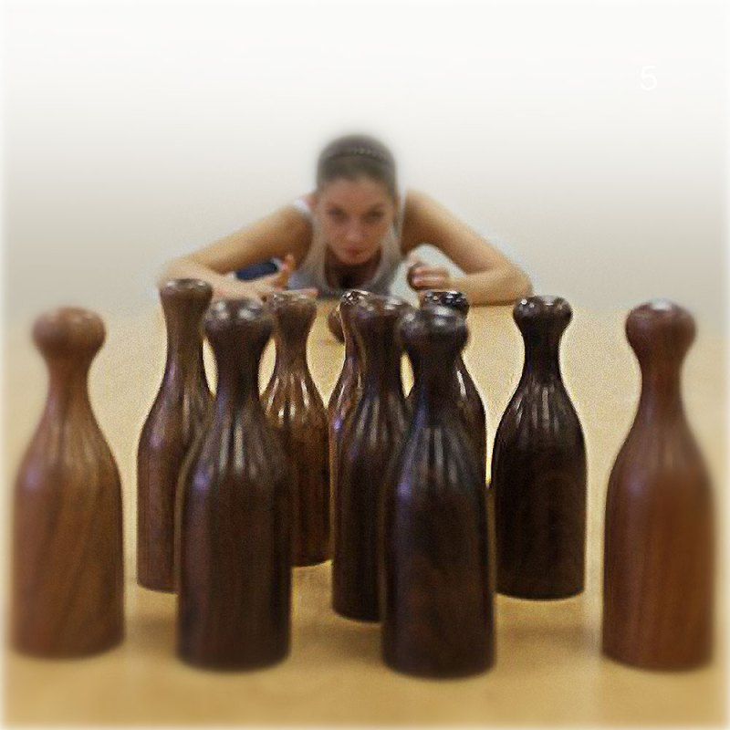 Large Bowling Set - artnomore.co.uk