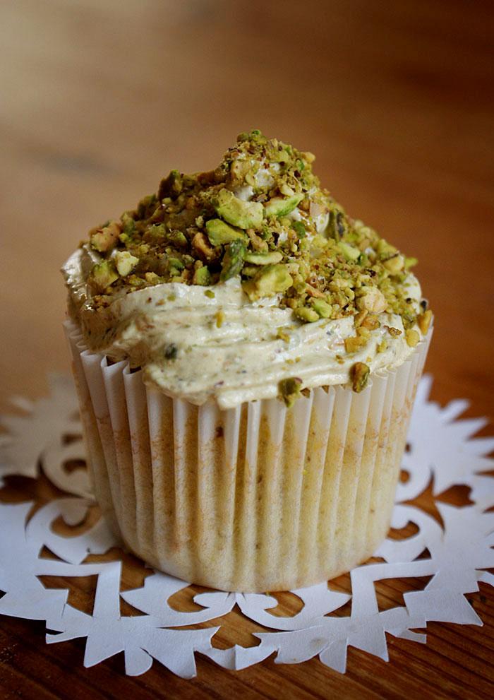 pistachio cupcake recipe image 1