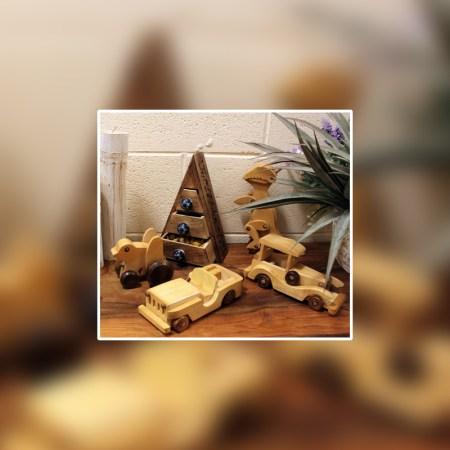 Indian haldu wood retro ornament toy