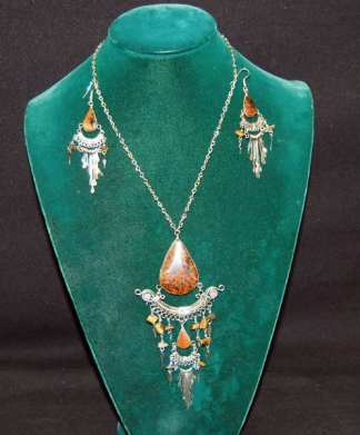 Native Tan Doted Necklace